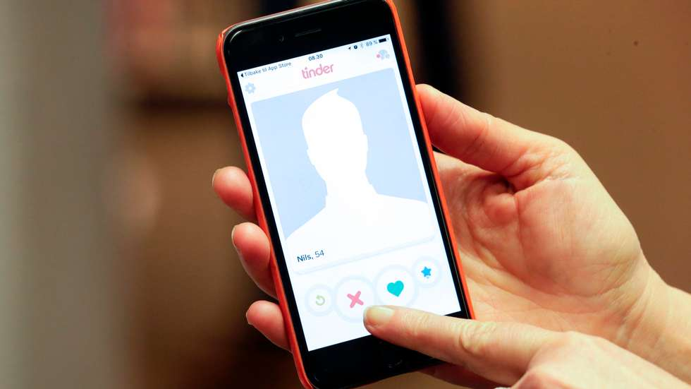 6 New Dating Apps That Arent Tinder Worth Trying